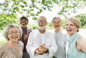 Un groupe d'aînés